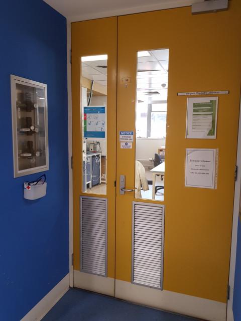 116 Inorganic chemistry lab at Monash Clayton – StudentVIP