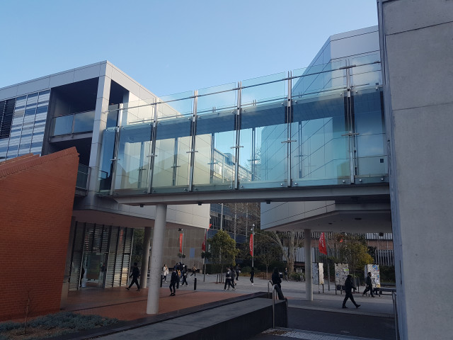 Access from Eastern Avenue to New Law Building