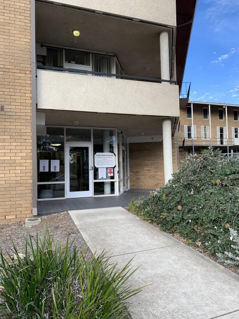 Centre Hexagon entry